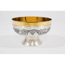 Copón-patena cincelado con baño de plata