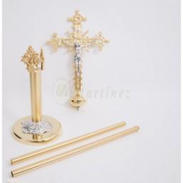Cruz parroquial dorada