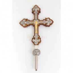 Cruz parroquial de madera con baño de plata